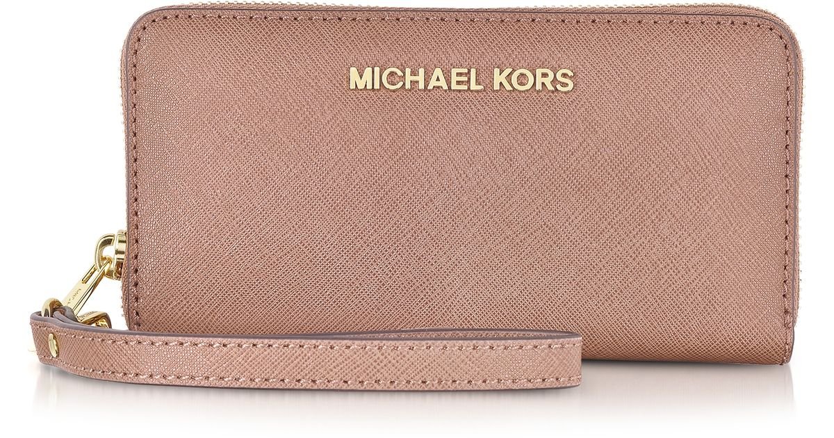 9d9b520e68c6 Michael Kors Large Jet Set Travel Multifunction Phone Case W/coin Pocket in  Pink - Lyst