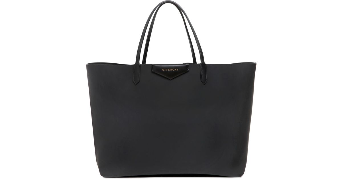 deee7f753f Lyst - Givenchy Large Antigona Rubber Effect Tote Bag in Black