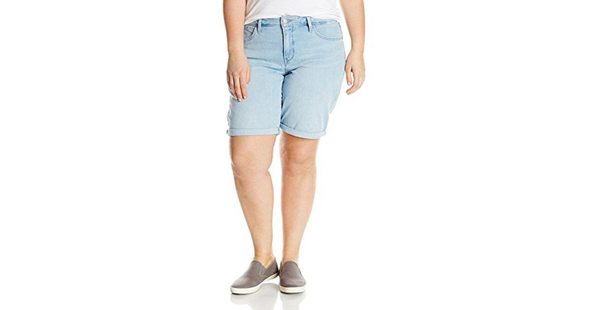 3b416ddf14 Lyst - Levi's Plus Size Shaping Bermuda Short in Blue
