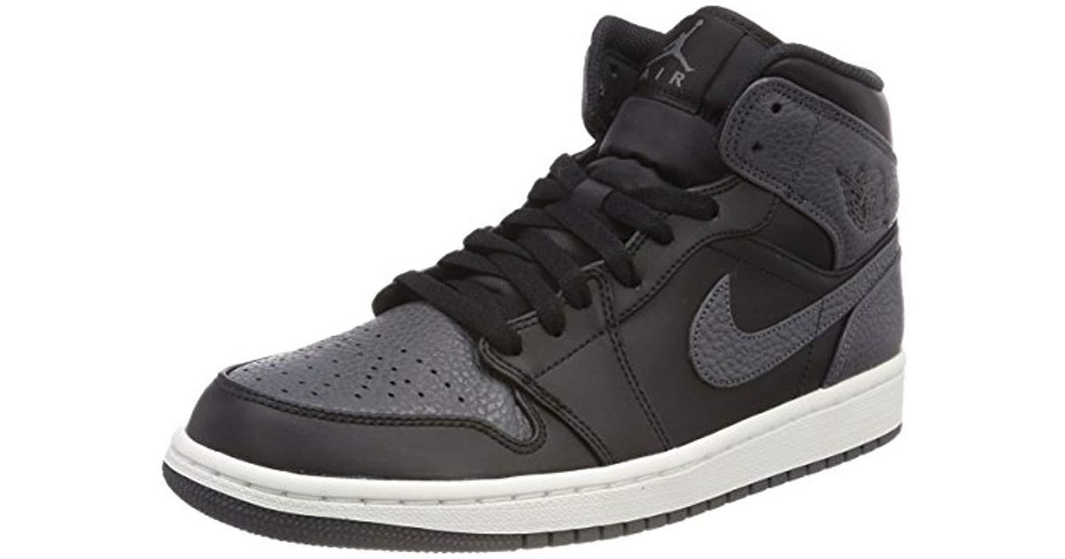 new product 26f9a 2bb54 Nike Air Jordan 1 Mid Basketball Shoes in Black for Men - Lyst