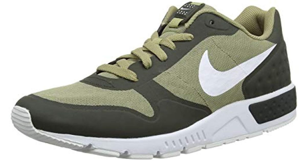 3948bfc9f1 Nike Nightgazer Lw Se Running Shoes in Green for Men - Lyst