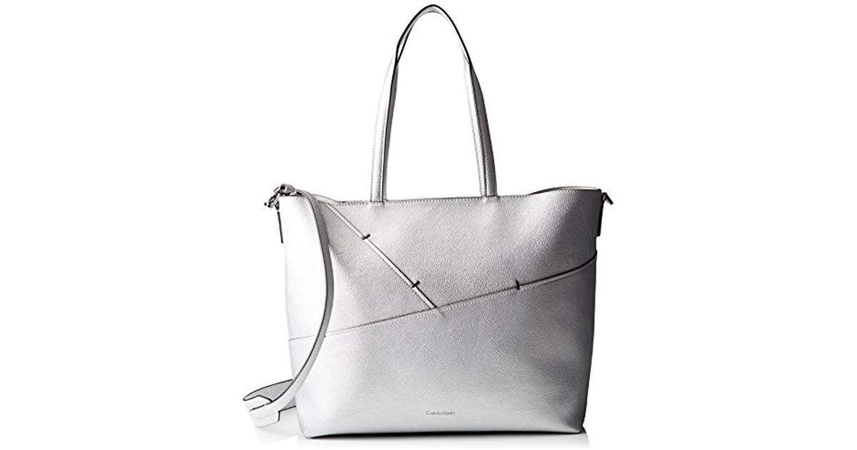 357afa17ee Calvin Klein 's Luna Medium Tote Sta Tote in Metallic - Lyst