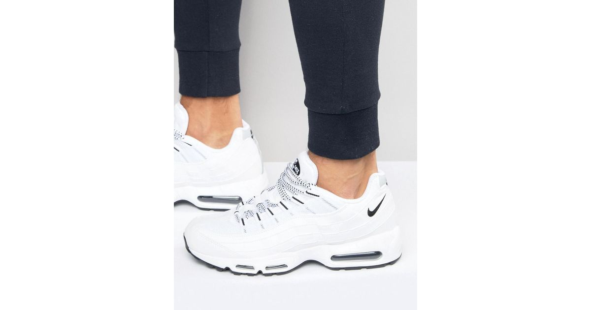 finest selection e2477 acc68 Nike Air Max 95 Trainers In White 609048-109 in White for Men - Lyst