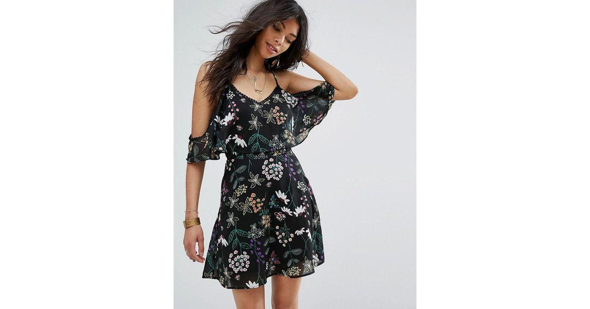 9d3b711b3a50 Boohoo Lace Trim Cold Shoulder Floral Print Dress in Black - Lyst