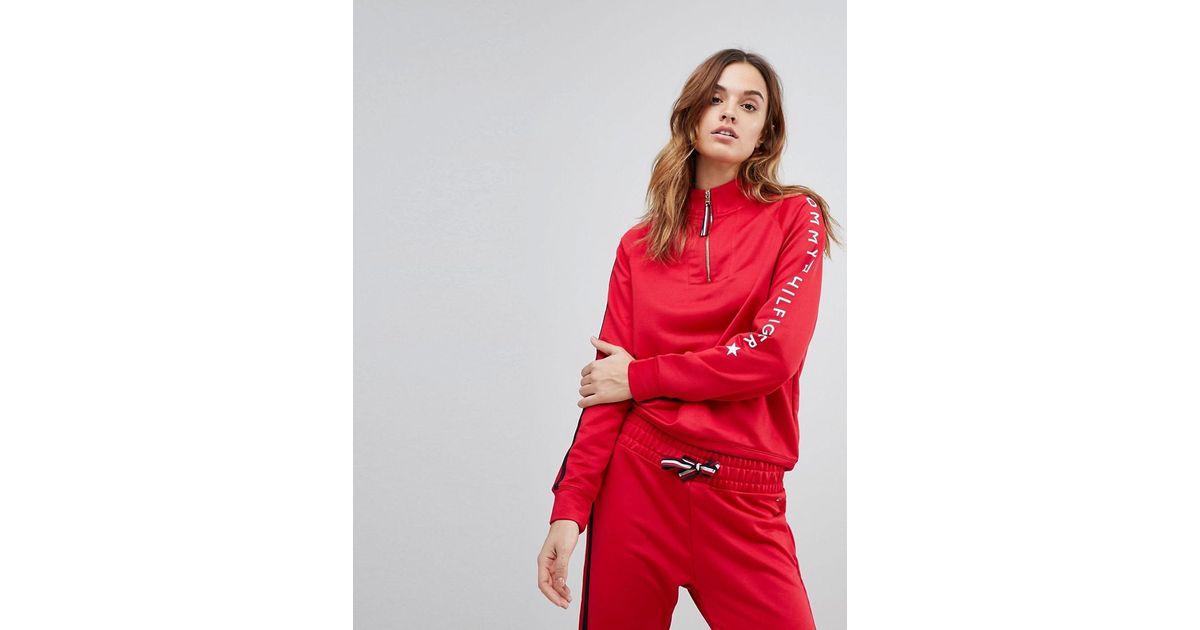 Avec Zipp Une Coloris Rouge Lyst Manche Chemine Tommy Logo Col Shirt En Sur Sweat Hilfiger qxCCnwaX8T
