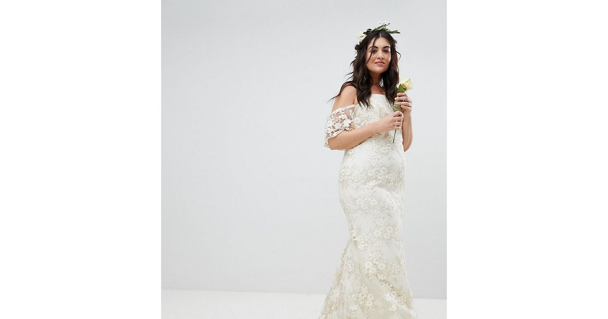f39253b8 ASOS Asos Edition Curve Floral Lace Bandeau Maxi Wedding Dress in White -  Lyst