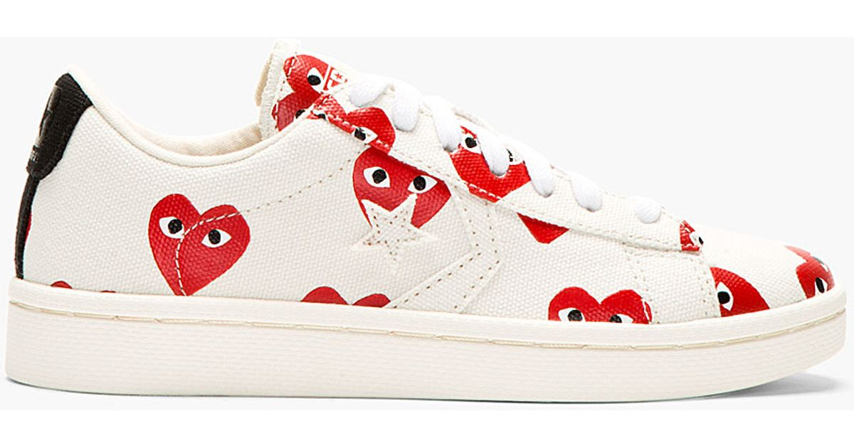 4fbf97e22295 Lyst - Play Comme des Garçons Ivory Heart Print Converse Cons Edition  Sneakers in Red