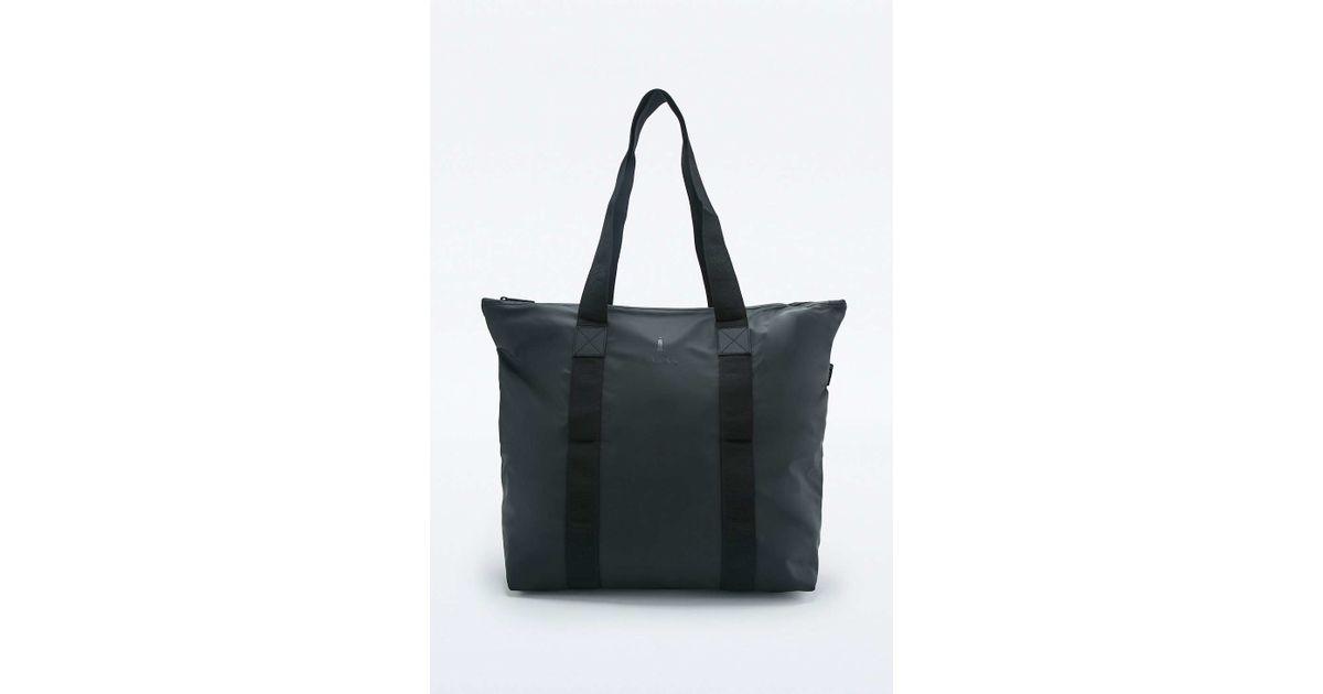 4ec74fc27 Rains Rush Black Tote Bag in Black - Lyst