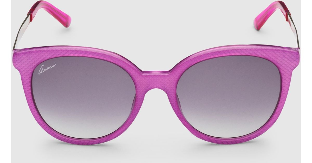 9f4b717c06b Lyst - Gucci Fuchsia Round Shape Embossed Sunglasses in Pink