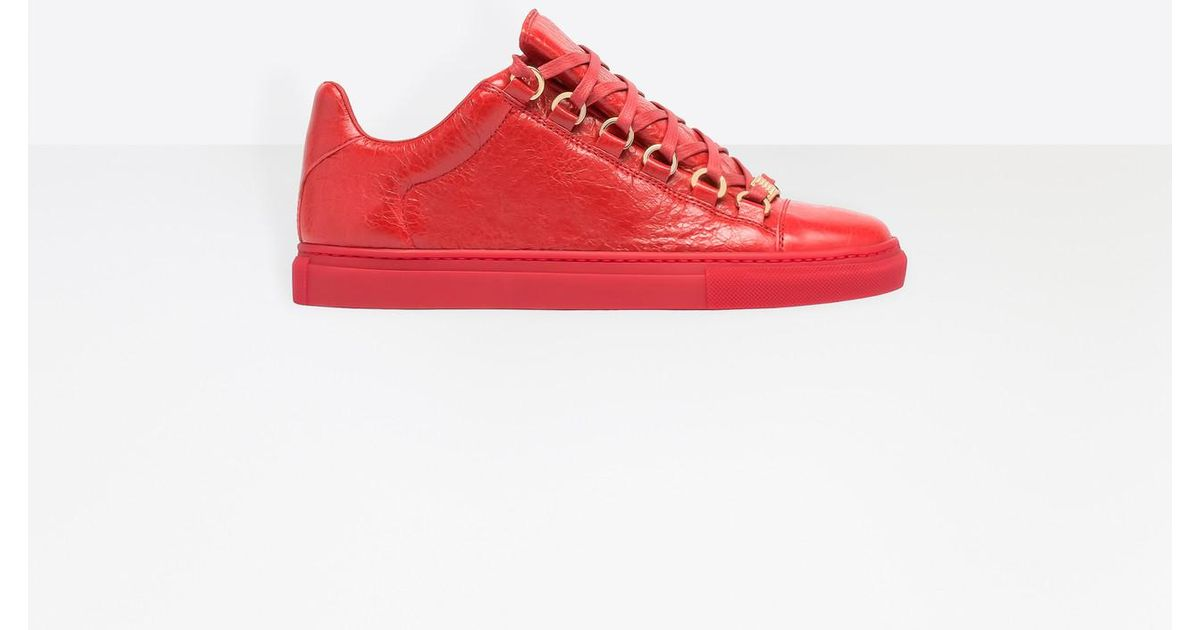 lyst balenciaga leather low top sneakers in red. Black Bedroom Furniture Sets. Home Design Ideas