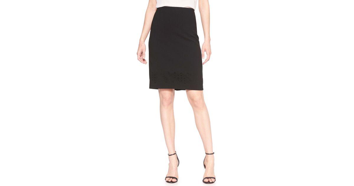 c8bb3cb7699 Banana Republic Factory Laser-cut Pencil Skirt in Black - Lyst
