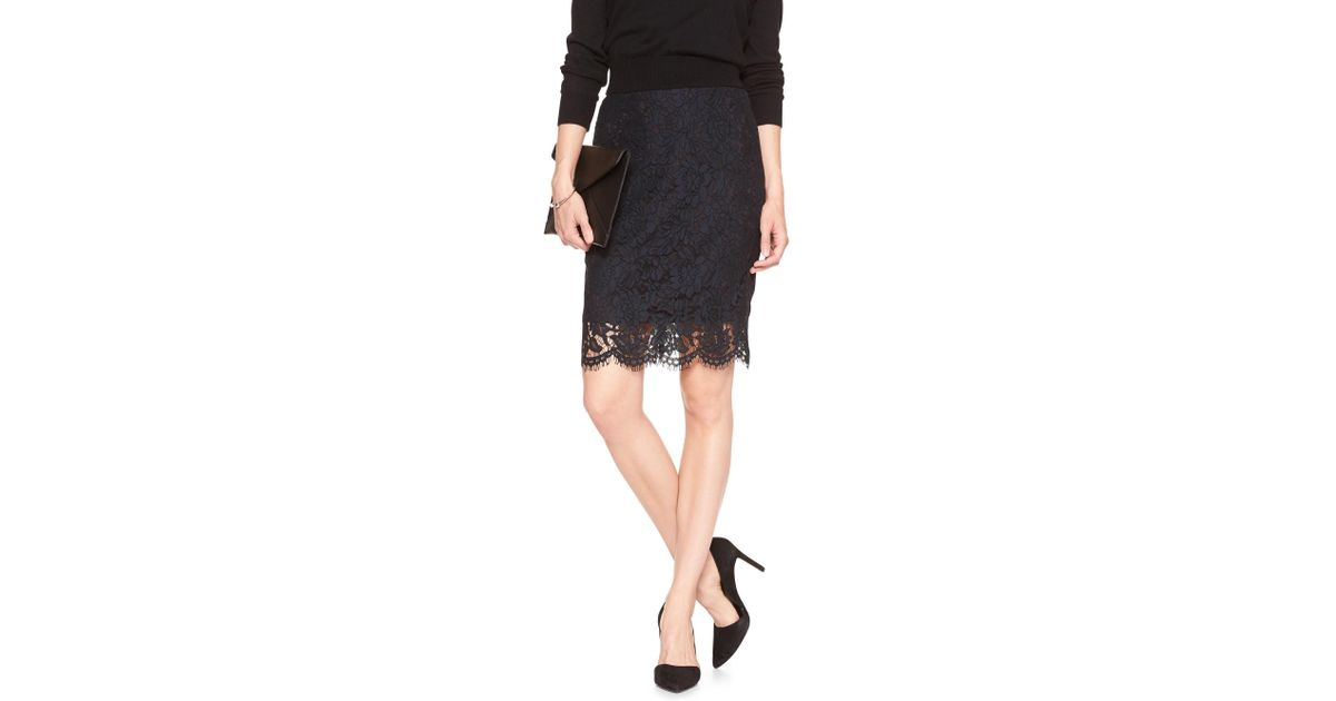 cad39bfaf4 Banana Republic Factory Two-tone Lace Pencil Skirt in Black - Lyst