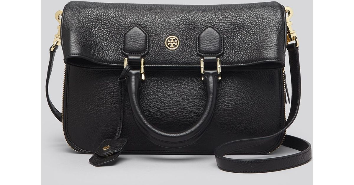 9604ecbf8e5 Lyst - Tory Burch Crossbody - Robinson Pebbled Folded Messenger in Black