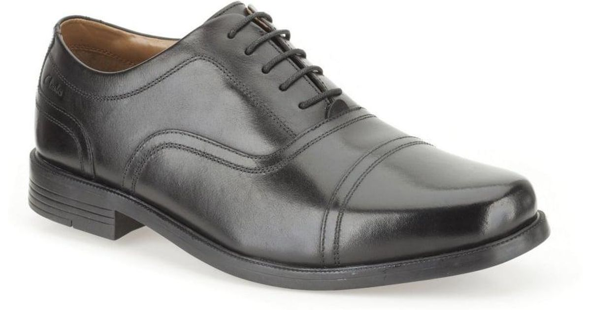 Clarks Beeston Cap Shoes