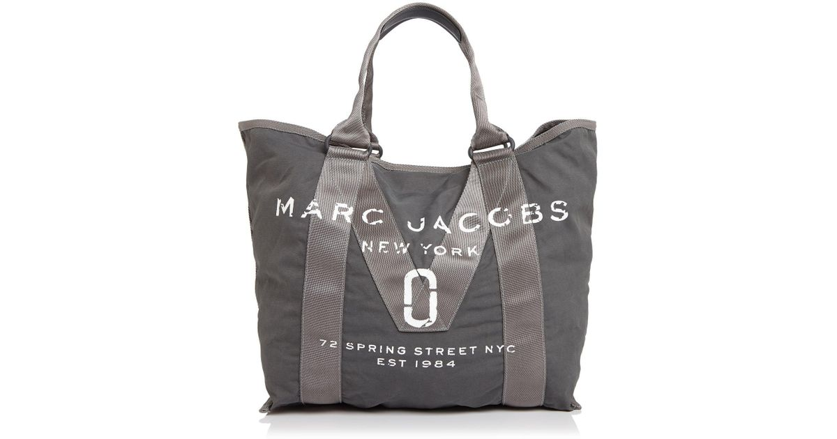 0fe96998fe33 Lyst - Marc Jacobs Logo Canvas Tote in Black