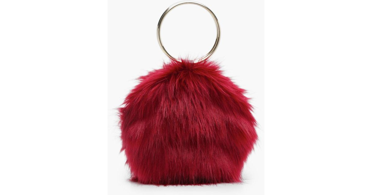 911ee99a7625 Lyst - Boohoo Isobel Double Ring Faux Fur Clutch in Red