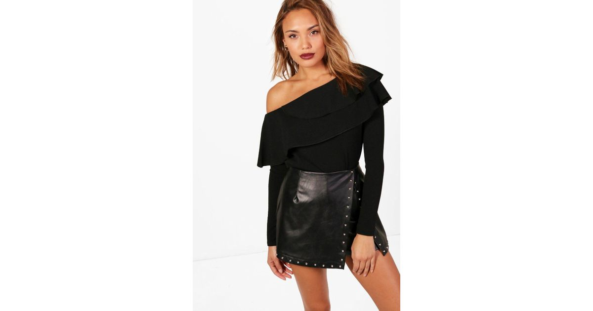 462ac6315569d8 Lyst - Boohoo Frill One Shoulder Top in Black - Save 36%