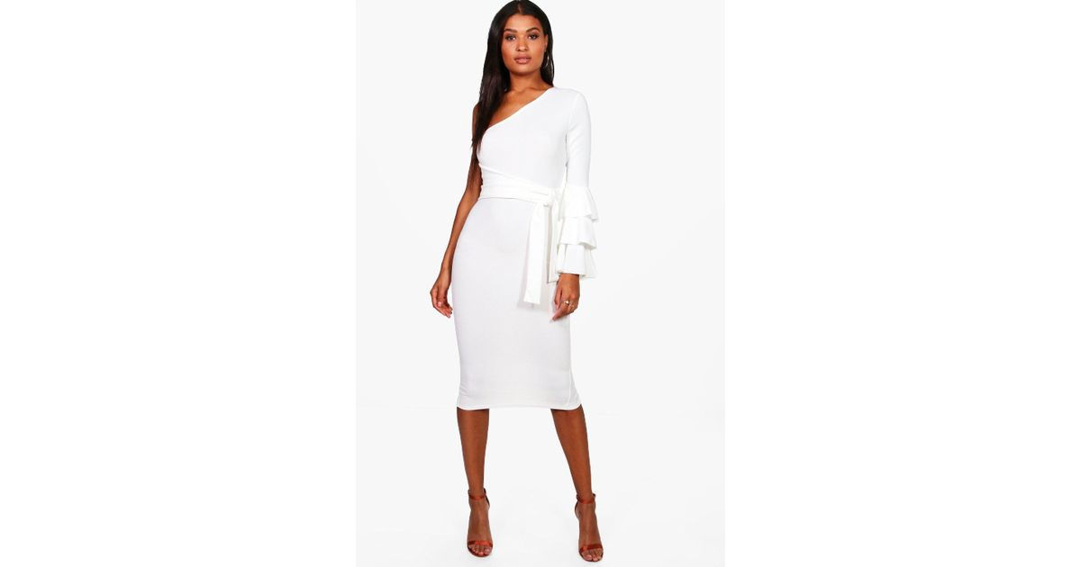 Boohoo Izzy One Shoulder Frill Tiered Midi Bodycon Dress in White - Lyst bb9eaef33
