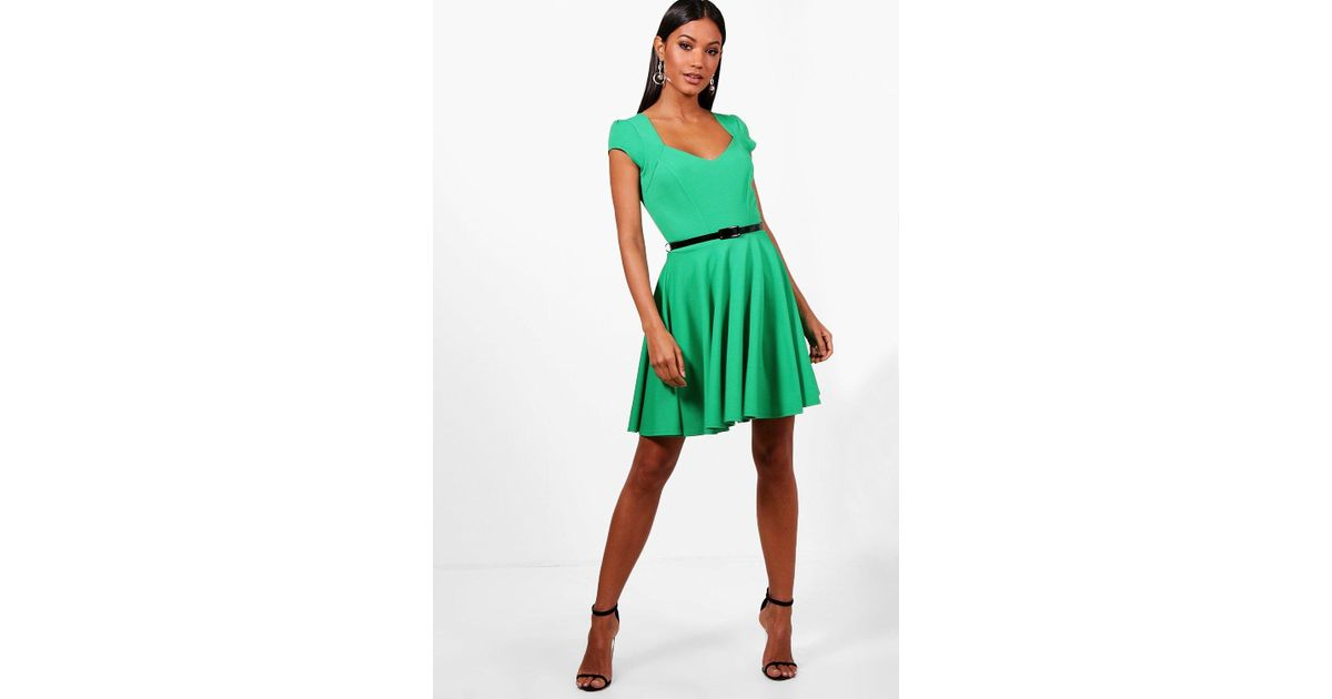 Boohoo Sweetheart V Neck Skater Dress in Green - Lyst aa9057037