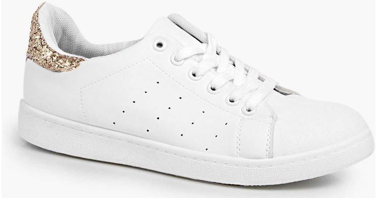 6b35c21efd71b Boohoo Lucy Glitter Back Tab Lace Up Trainer in White - Lyst