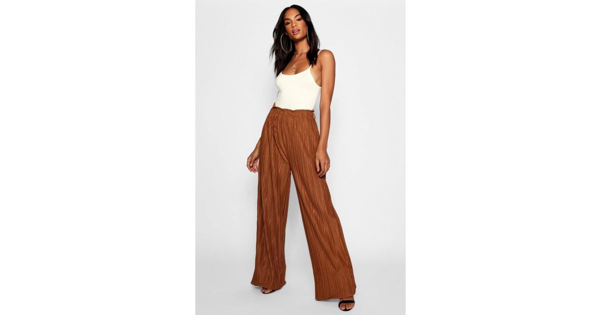 a4746c8a82f8a Boohoo Tall Wide Leg Pleated Trousers in Brown - Lyst