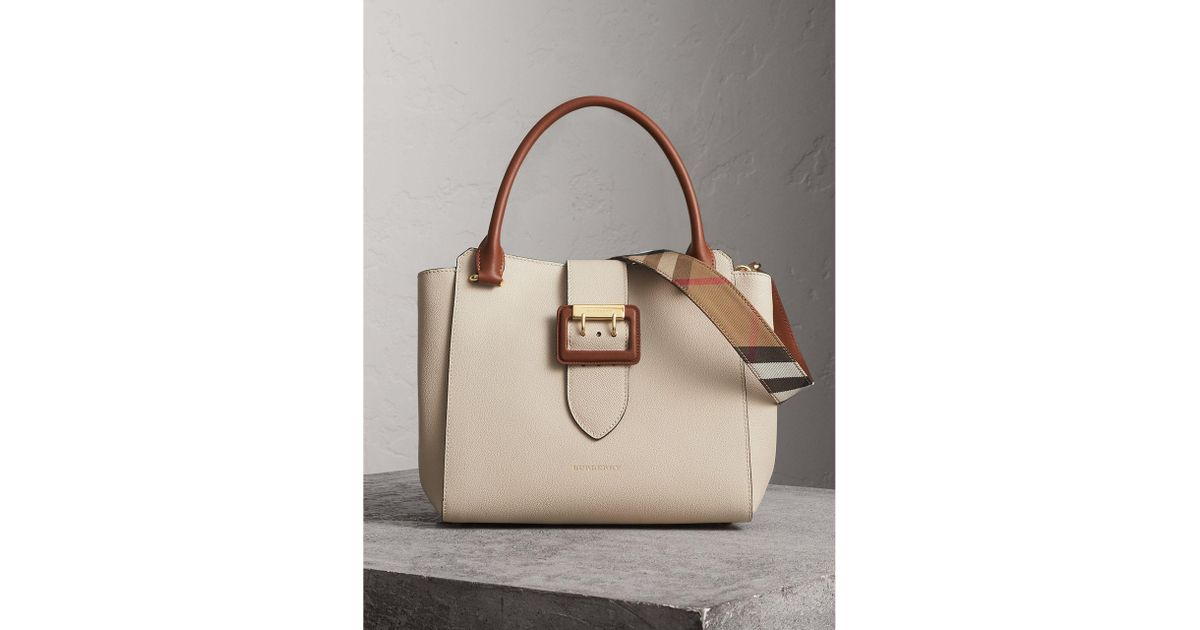 70dcf00a0563 Lyst - Burberry The Medium Buckle Tote In Grainy Leather