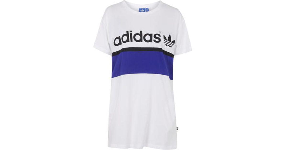 La ciudad Lyst Topshop Vestido Tee Dress by Adidas Originals en blanco