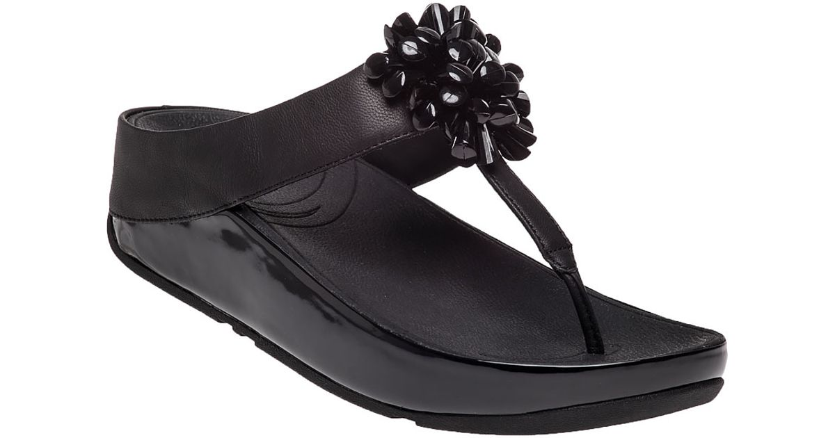 Lyst - Fitflop Blossom Floral Bead Flip Flop Black Leather in Black
