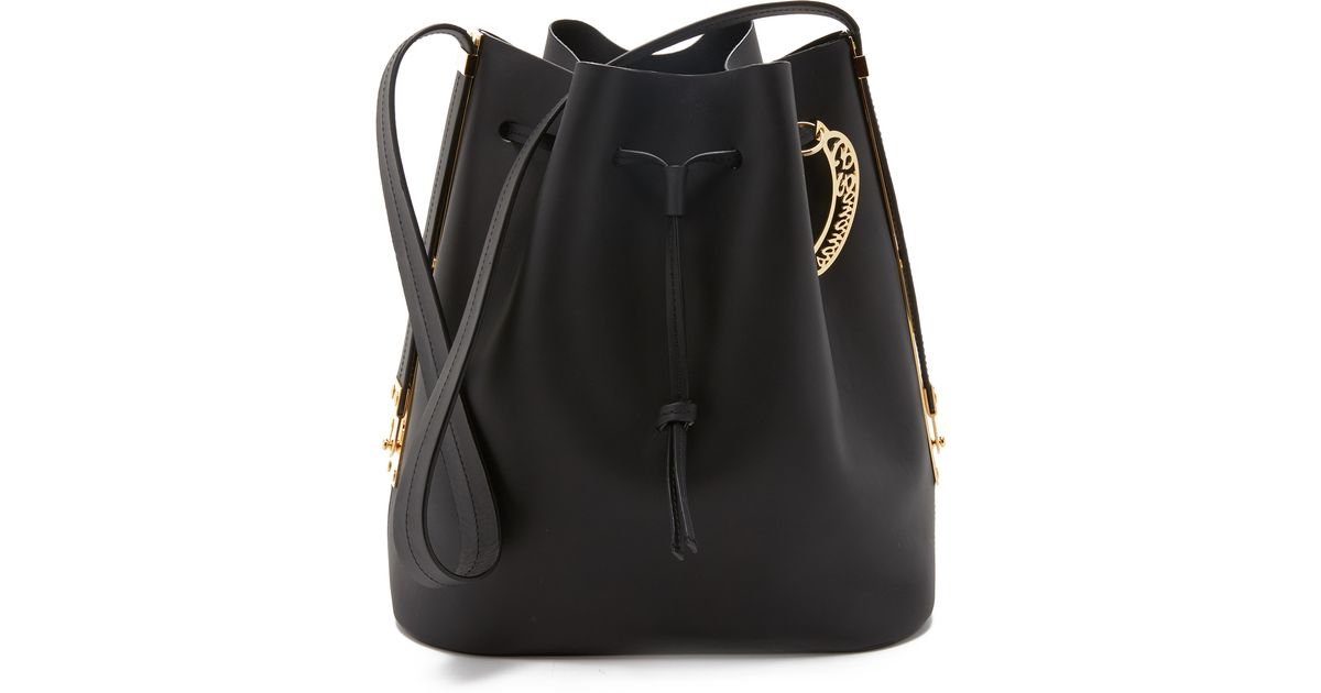 9034a3bd45 Sophie Hulme Extendable Bucket Bag in Black - Lyst
