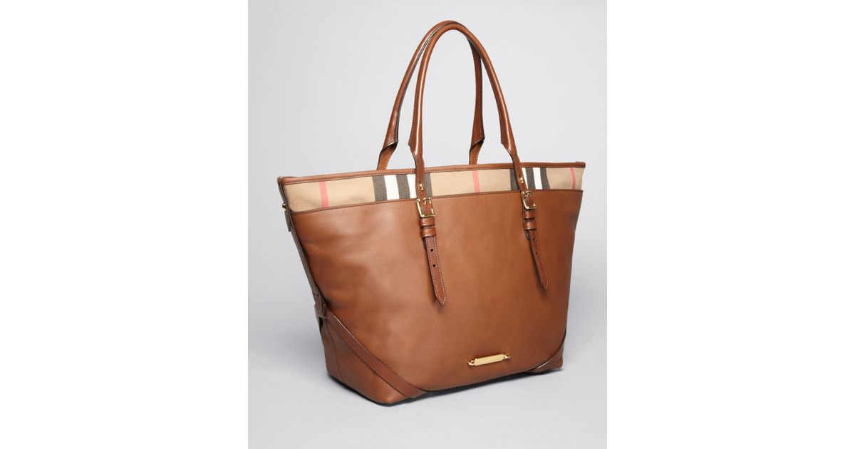 Lyst - Burberry Tote Bridel House Check Medium Salisbury in Brown bff8f6edaa9e5