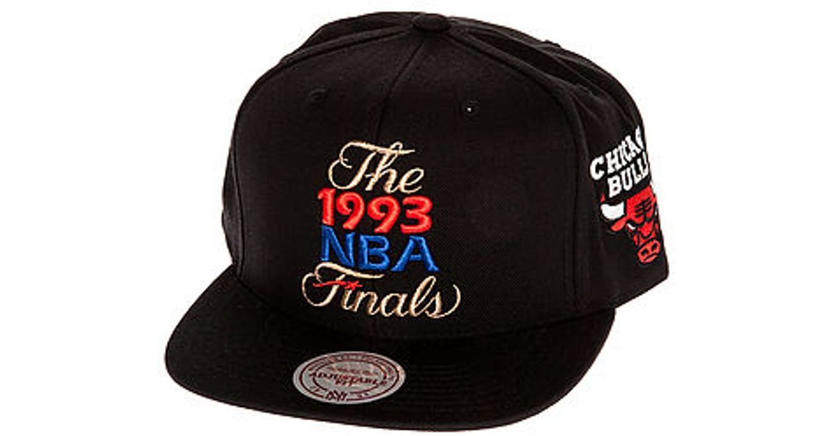 8eb7a74536c Lyst - Mitchell   Ness The Chicago Bulls Nba Finals Commemorative Snapback  Hat in Black for Men
