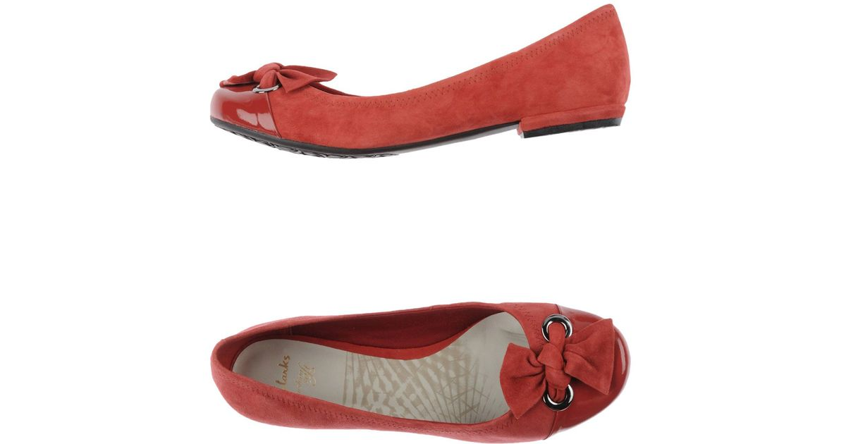 16eef00656a Lyst - Clarks Bow Suede Ballet Flats in Red