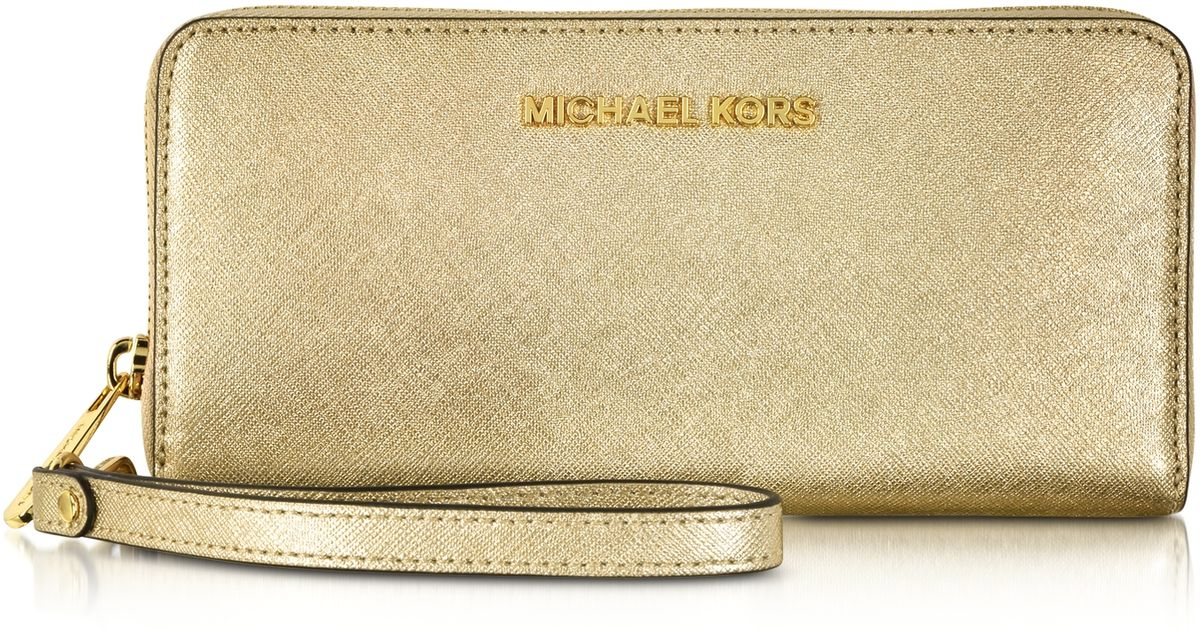 28eb5bdf1ab0f Michael Kors Jet Set Travel Pale Gold Metallic Saffiano Leather Continental  Wallet in Metallic - Lyst