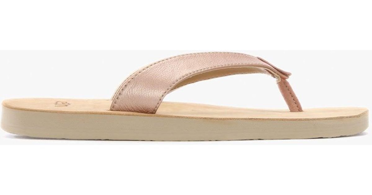 1622f3d7506 Ugg - Multicolor Tawney Rose Gold Metallic Toe Post Flip Flops - Lyst