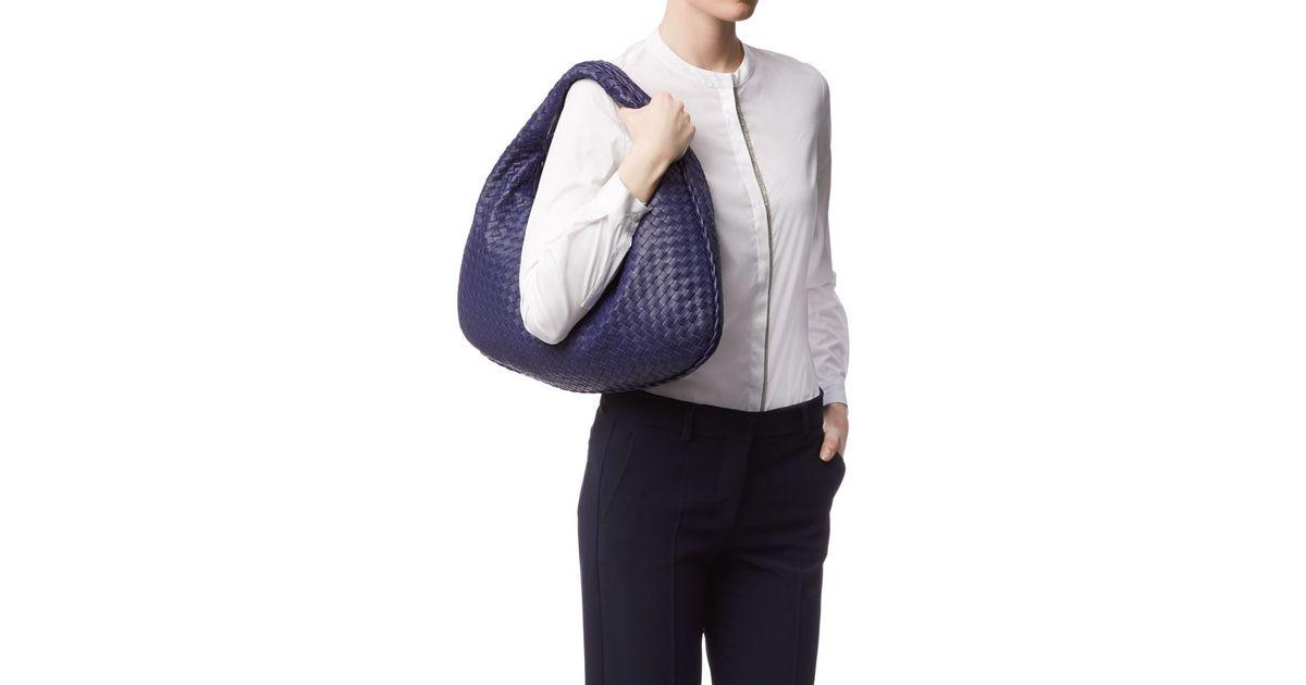 870c465bca91 Bottega Veneta Medium Intrecciato Veneta Hobo Bag in Blue - Lyst