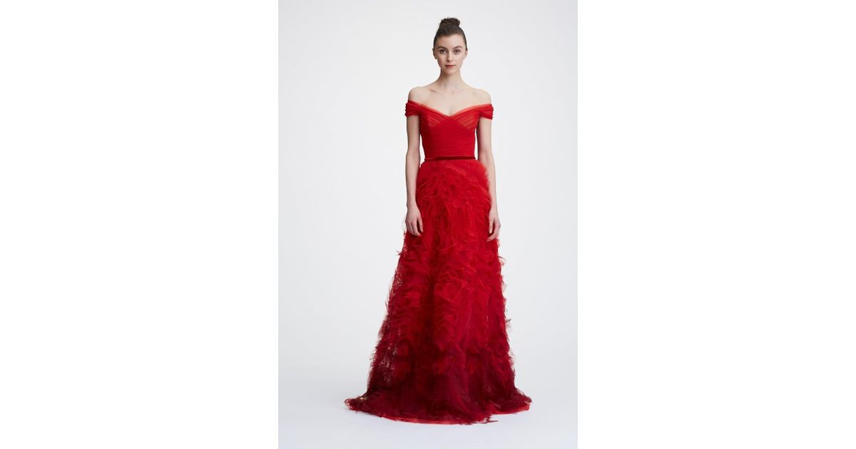 5318dd93 Marchesa notte Holiday 2018 Off The Shoulder Ombre Textured Gown in Red -  Save 39% - Lyst
