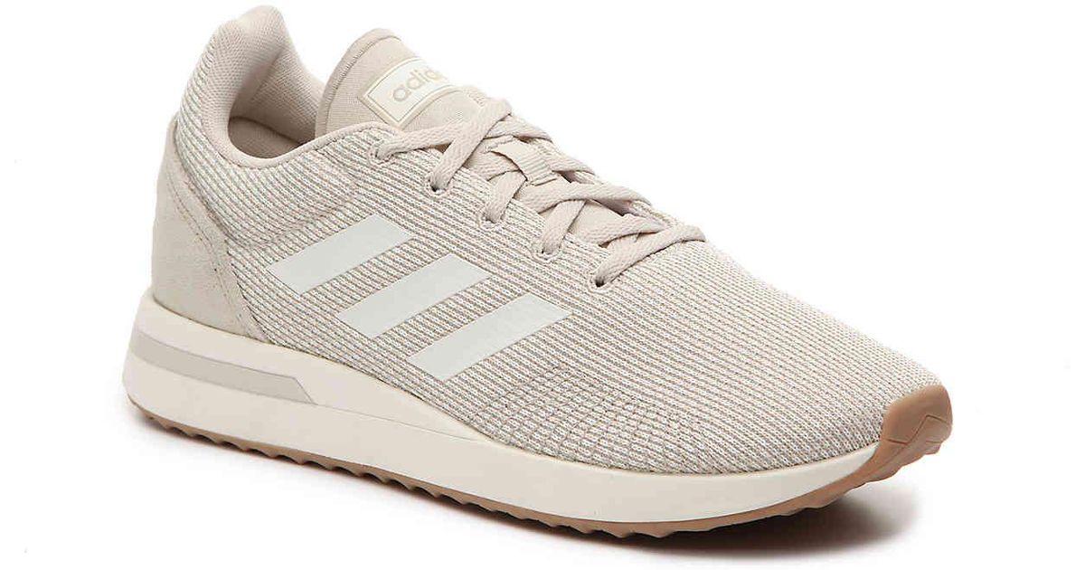 Lyst adidas gestire 70 scarpe da ginnastica in bianco per gli uomini.