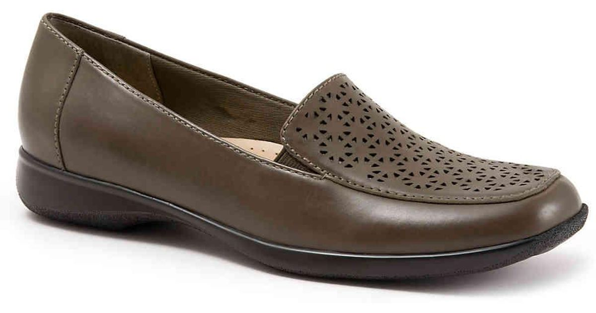 17ca3146ce0 Lyst - Trotters Jenn Laser Loafer in Brown