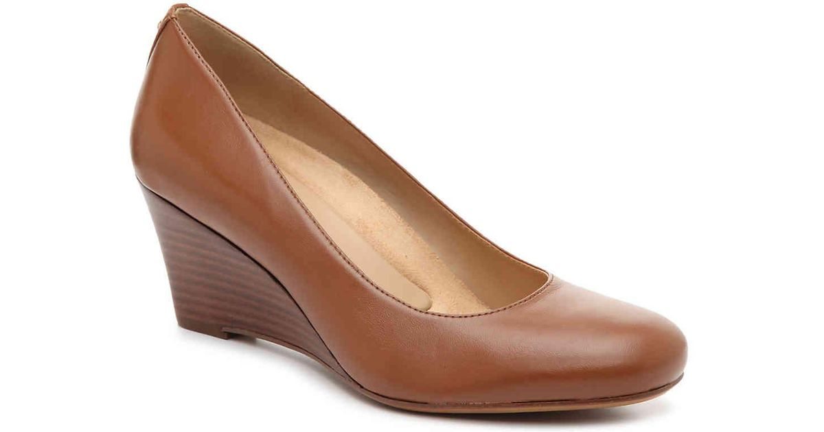 784d2cb62b8 Lyst - Naturalizer Emily Wedge Pump in Brown
