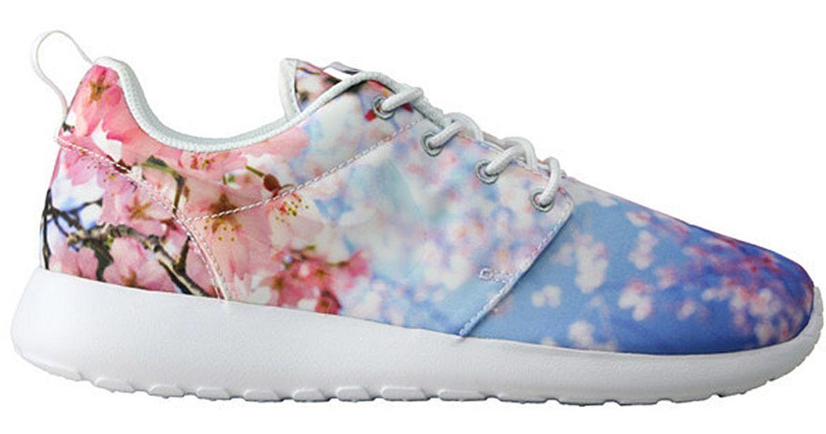 6ed7ffc092e5 Lyst - Nike Roshe Run Cherry Blossom Sneakers