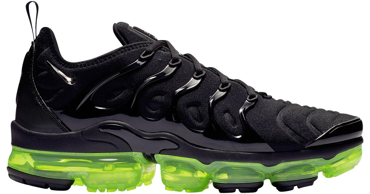 buy popular 6543a 4784d Nike - Black Air Vapormax Plus Running Shoes for Men - Lyst