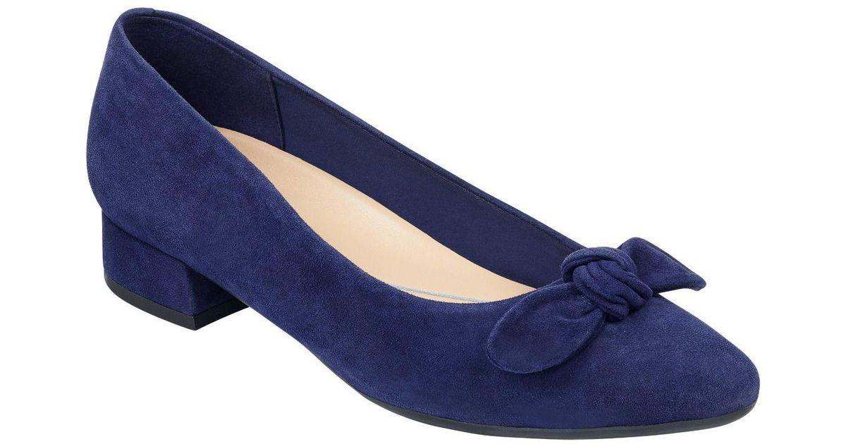 84cbf912655 Lyst - Easy Spirit Calasee Suede Low Heel Dress Shoes in Blue