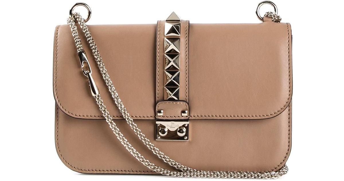 valentino-garavani-nude-neutrals-glam-lock-shoulder-bag -beige-product-2-644871958-normal.jpeg 7236064a15500