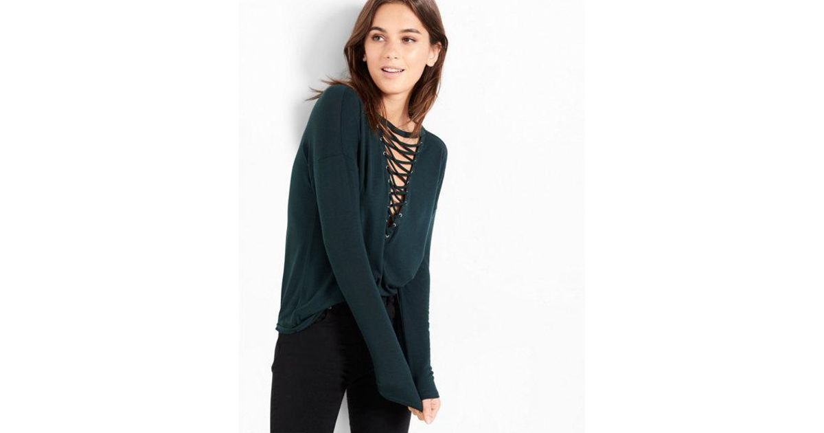 db47b236fc Lyst - Express One Eleven Deep V-neck Lace-up Tee in Green