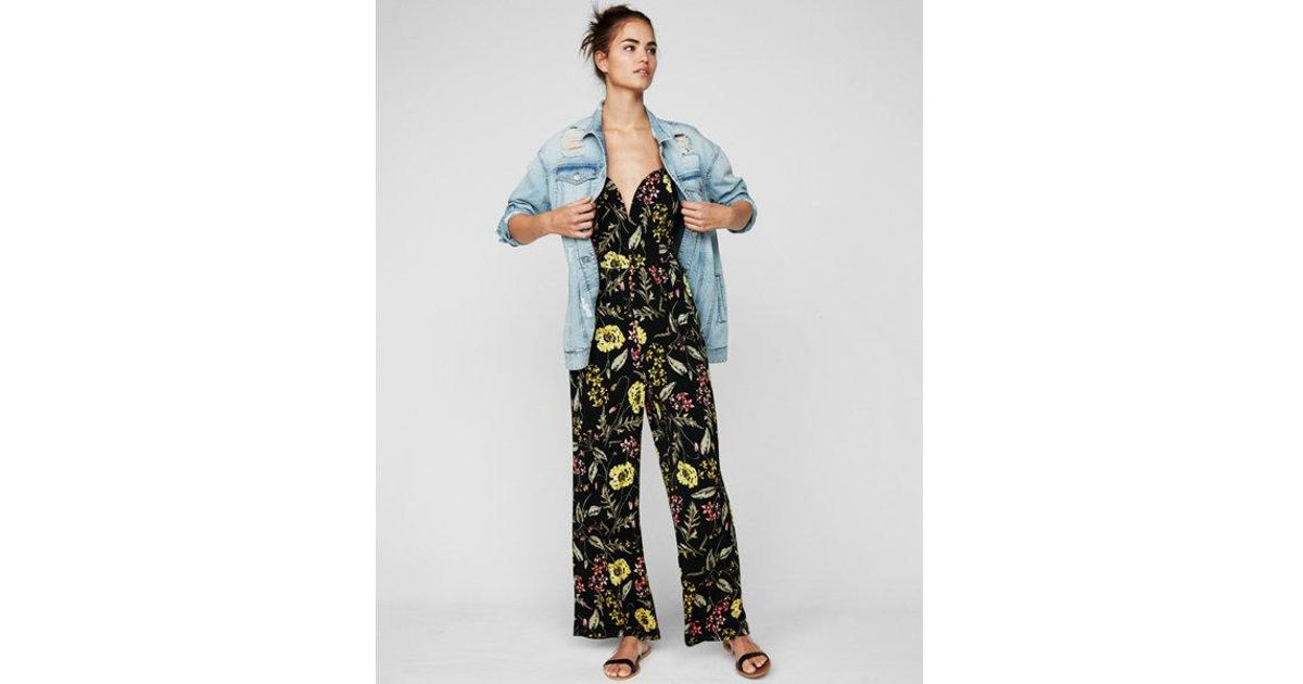 59f88225a025 Lyst - Express Floral Wide Leg V-wire Jumpsuit in Black