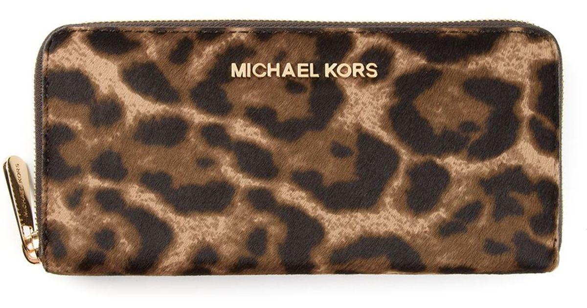 9a2ae88bde75 MICHAEL Michael Kors Jet Set Travel Leopard Printed Wallet - Lyst