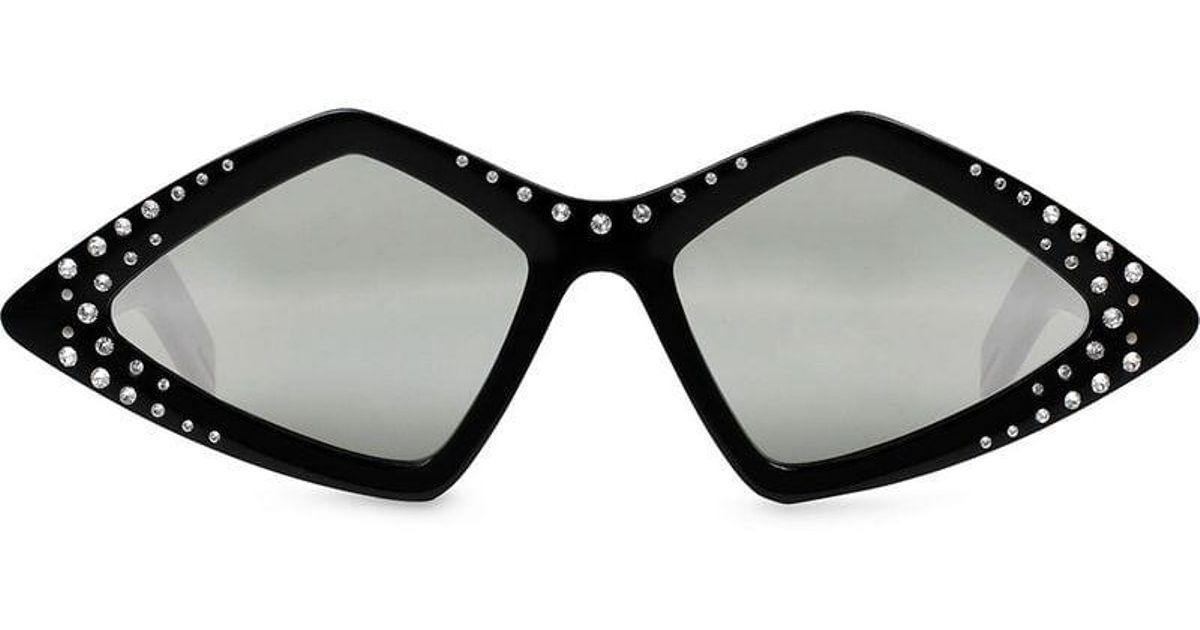 ab3c212a204 Lyst - Gafas de sol con montura en forma de diamante con cristales Gucci de  color Negro