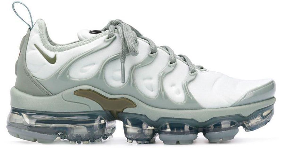 e105936cab Nike Air Vapormax Plus Sneakers in Green - Lyst