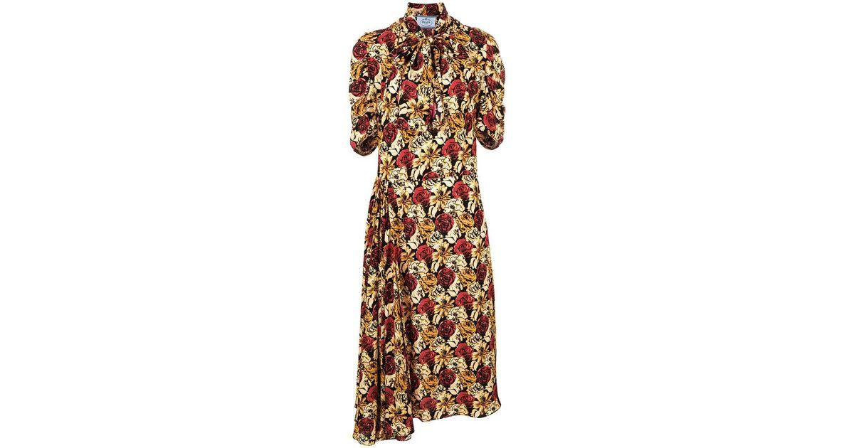 80b99c31fda5c Lyst - Prada Kleid mit Print in Schwarz