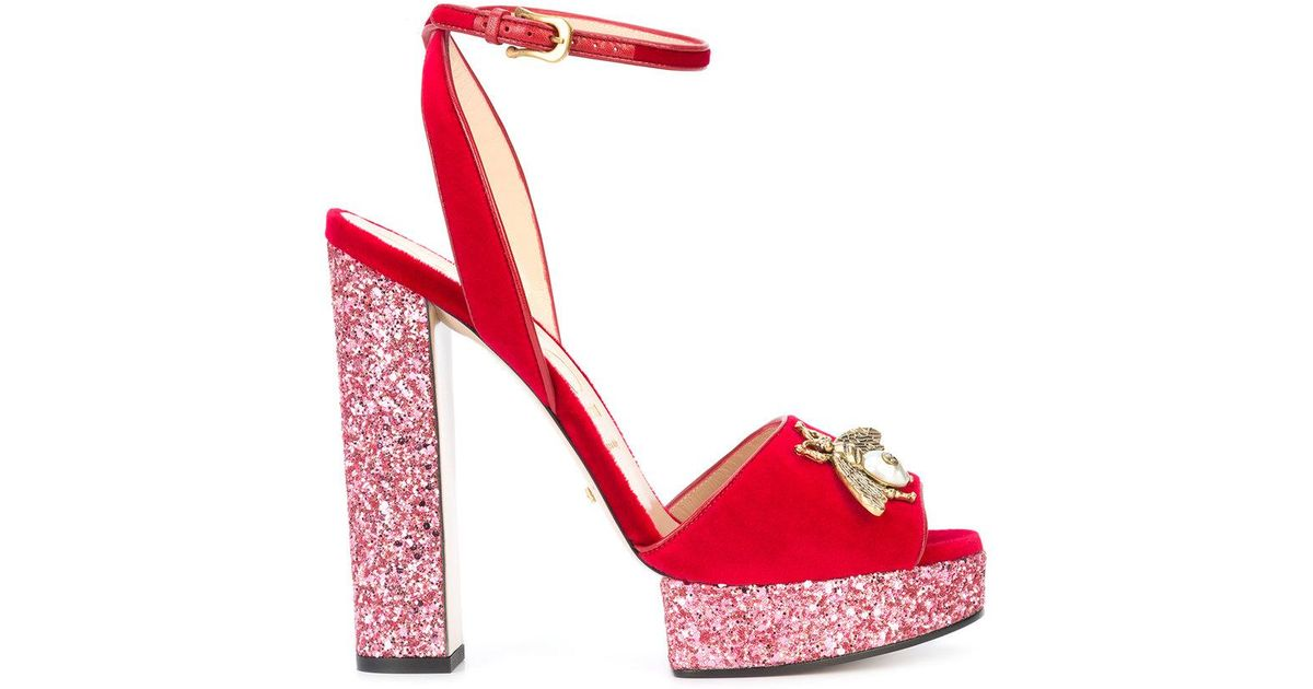 601d36b99 Gucci Embellished Bee Sandals in Red - Lyst